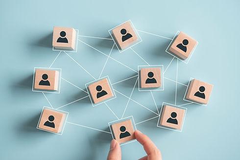 Systemische Verknüpfungen wirken auf jedes Individuum im System.