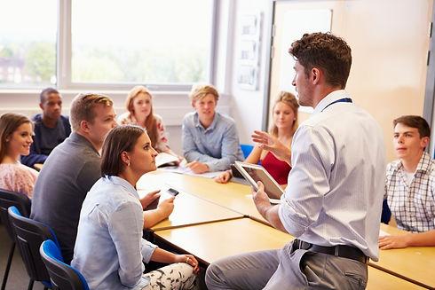 Mein Ziel ist es, Lehrer in ihrer Arbeit und persönlichen Kraft zu stärken.