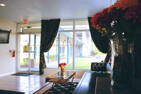 residence-hub-inn-suites (1).jpg