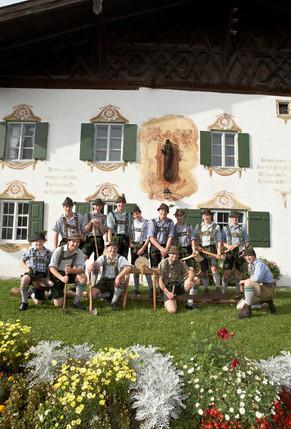 Burschen des Trachtenvereins Bad Kohlgrub