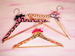 Wodden hangers decorated with Pintor