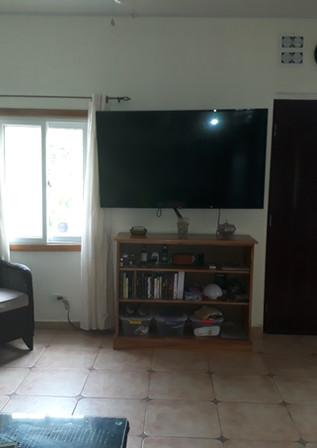 Living room SMART TV, Main front door