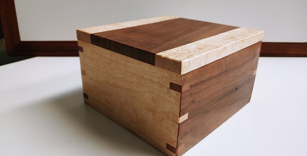 Walnut and Maple Keepsake Box with Walnut Splines