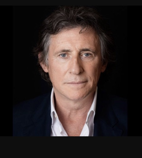 Gabriel Byrne. Hair/makeup