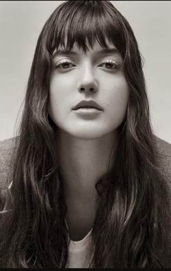 Alaia Baldwin. Hair