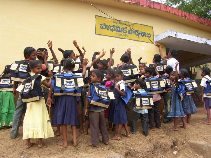 schoolbags2.jpg
