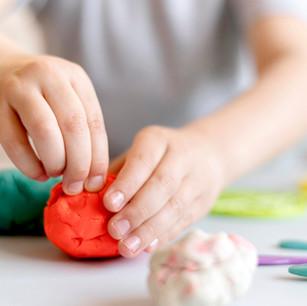 """Taller Viento Sur: """"Taller de creación en plasticina para niñas y niños (virtual)"""""""