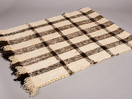 Piecera de lana natural: María Villarroel