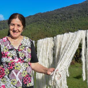 """María Zúñiga: """"Frazada de lana natural teñida"""""""