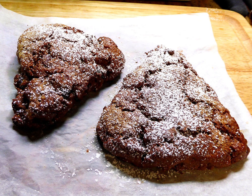 How to Make Healthy Chocolate-Cherry Scones in Your Air Fryer