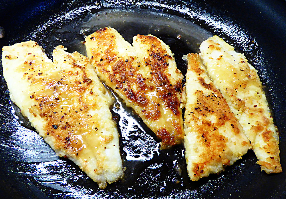 Simple Flounder in Lemon Butter Sauce