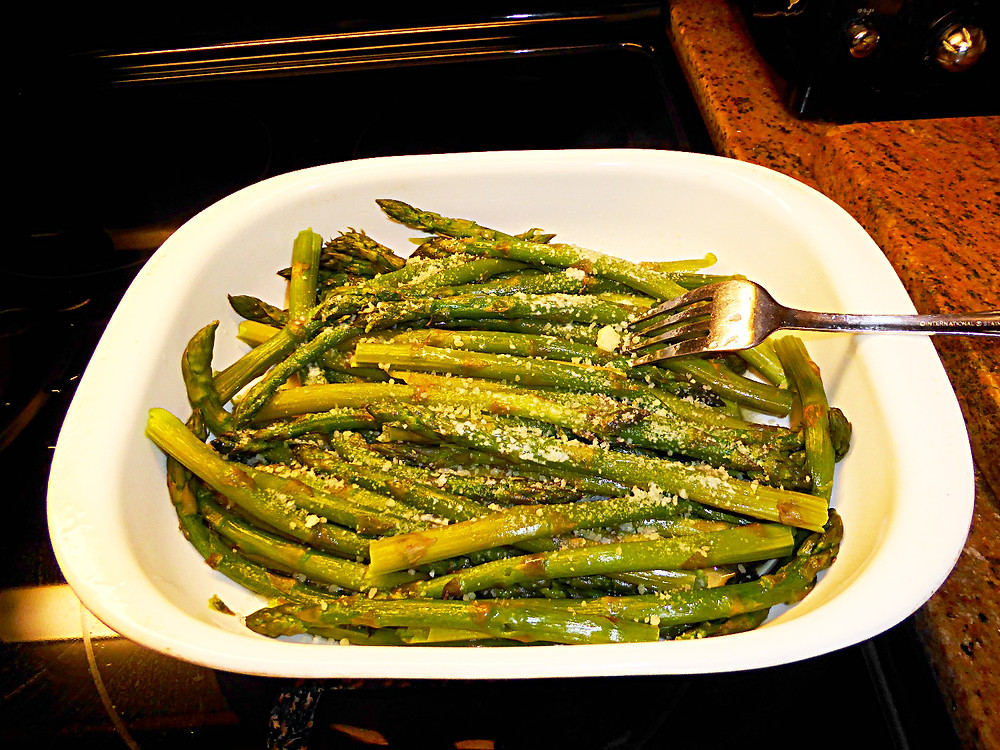 simple microwaved asparagus