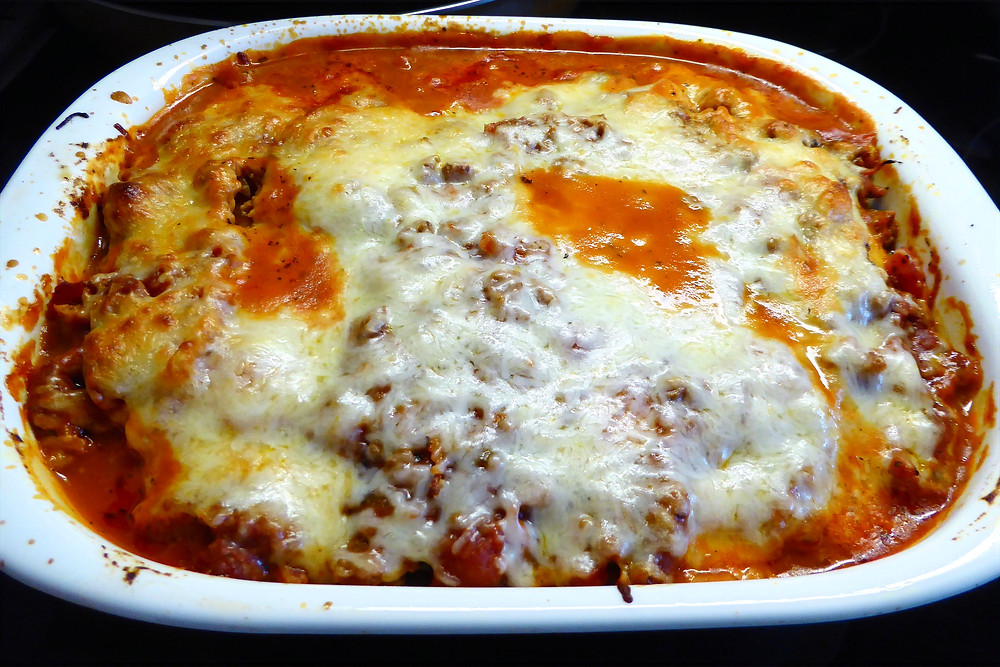 Baked ravioli with frozen ravioli and meat sauce