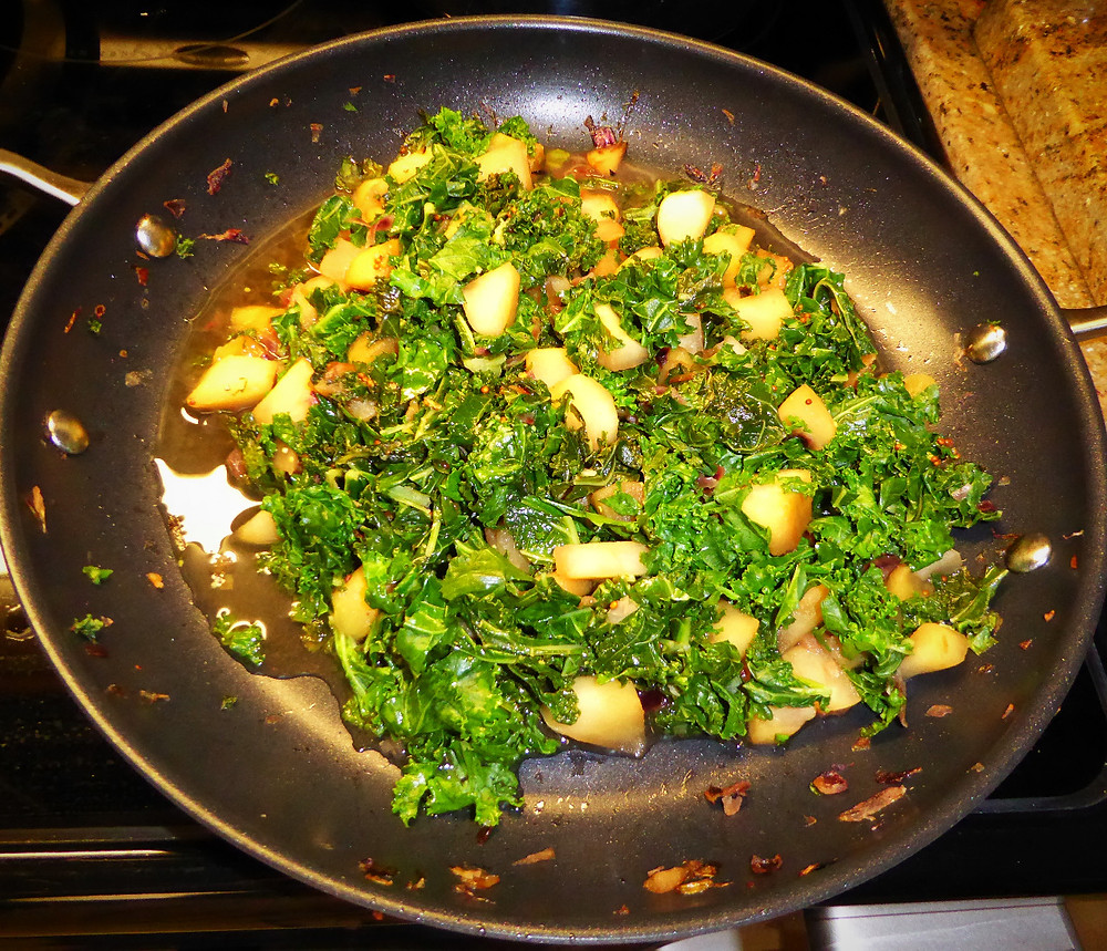 Tummy Friendly Apple-Kale Salad