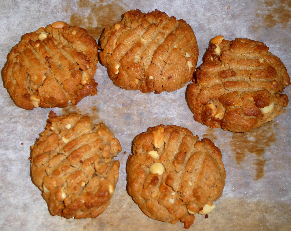 Air Fryer Peanut Butter Cookies
