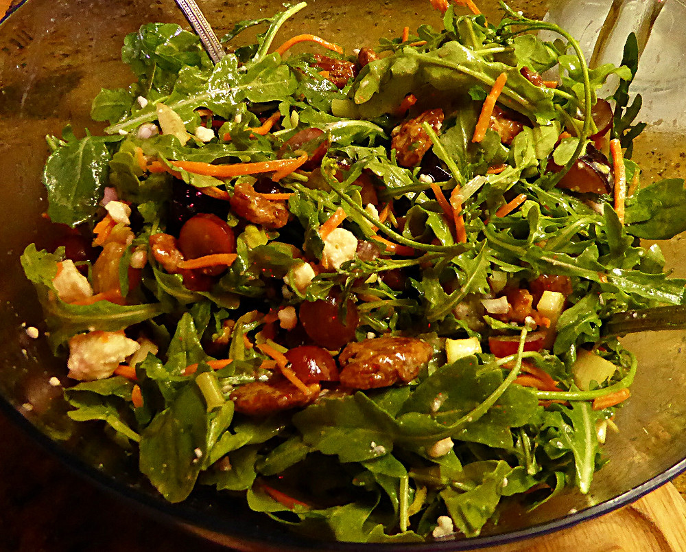 Grape, Plum, and Arugula Salad with Candied Pecans -- Serves 4+