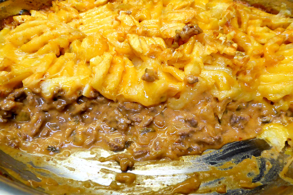 Cheap and Easy Ground Beef and Waffle Fry Bake