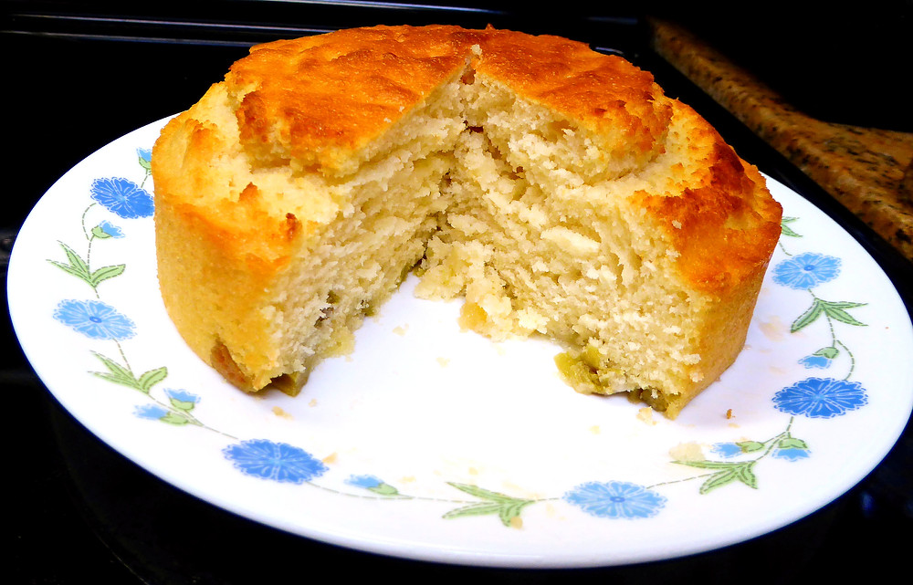 Simple and Good Air Fryer Rhubarb Cake