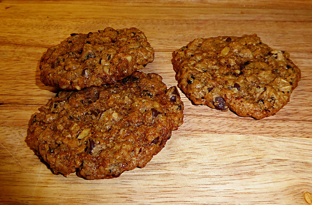 Chocolate-Cherry Oatmeal Cookies