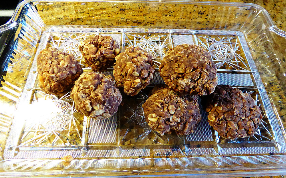Cow Pie Cookies, No-Bake Chocolate Oatmeal Cookies