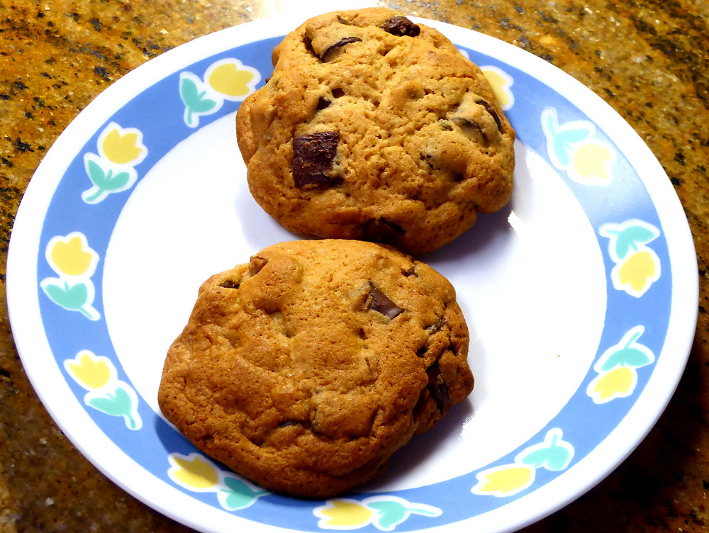 Air Fryer Chocolate Chip or Chunk Cookies