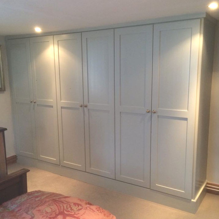 fitted wardrobe Mullion