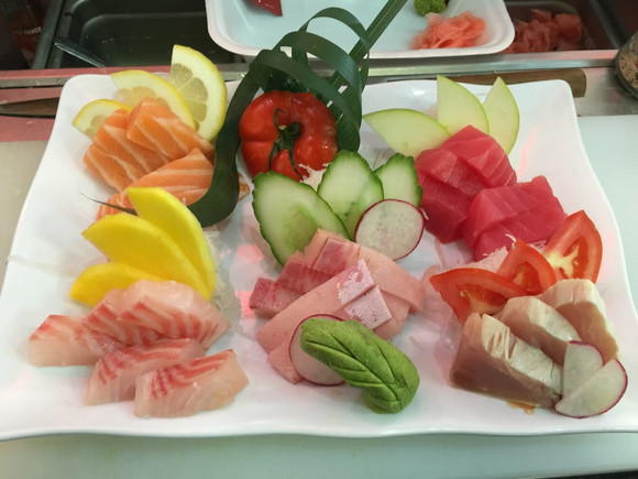Chef Special with Fresh Assorted Sashimi
