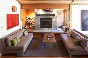 alpinemeadowsretreatlivingroom.jpg