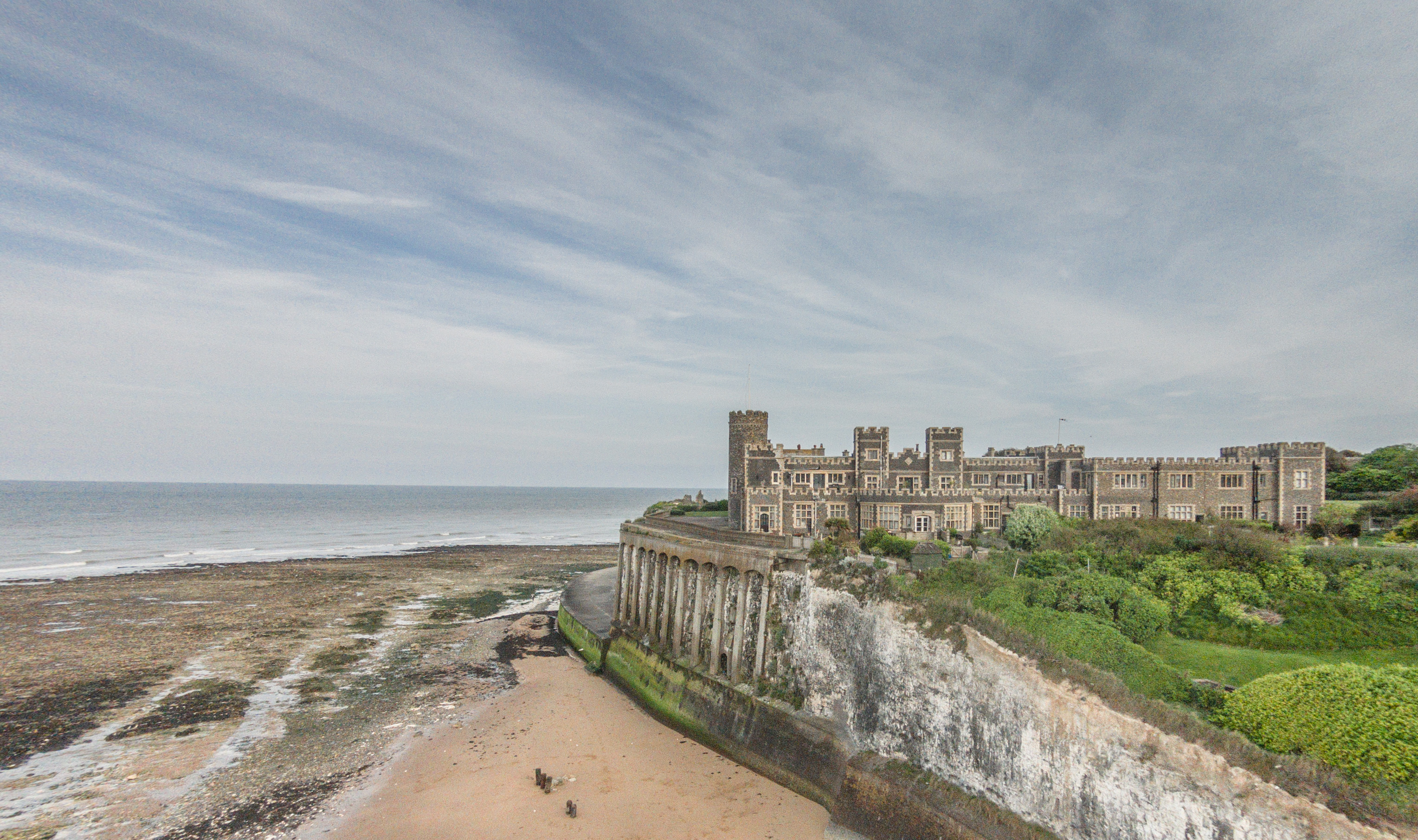Kingsgate Castle