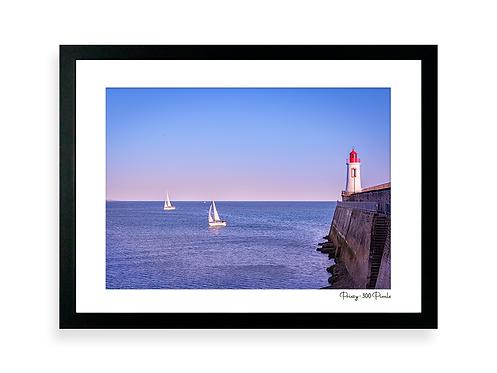300 Pixels Affiche Photo - Coll. Prissy - Le phare Rouge, les Sables d'Olonne