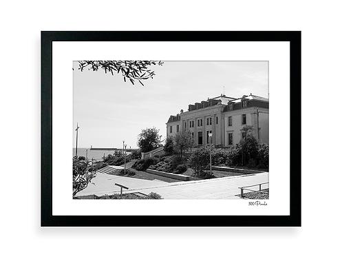 300 Pixels - Affiche Photo - Le Tribunal des Sables d'Olonne - NB