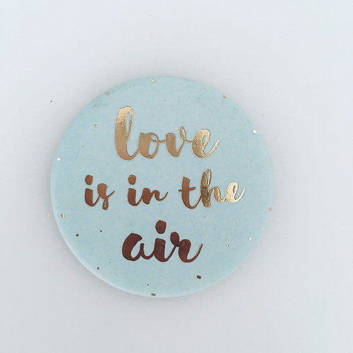 Magnet - Love is in the air