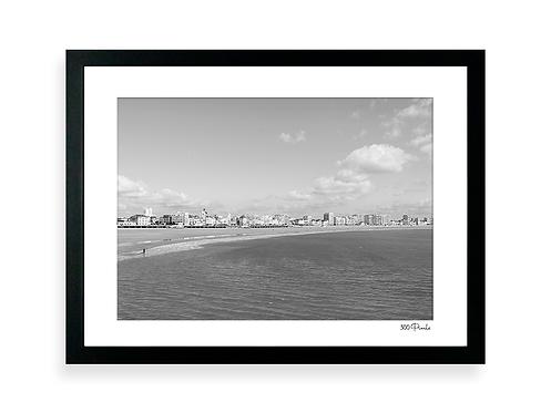 300 Pixels - Affiche Photo - Le Remblai des Sables d'Olonne N&B 1