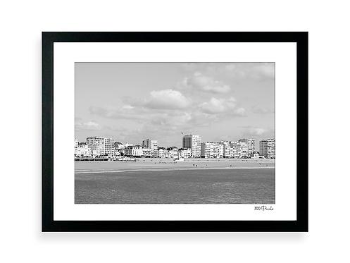 300 Pixels - Affiche Photo - Le Remblai des Sables d'Olonne N&B 2