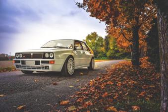 asphalt-auto-autumn-327236.jpg