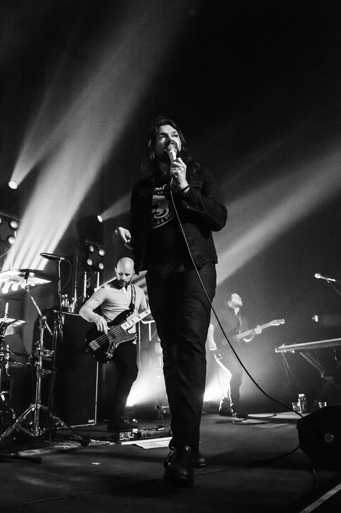 Two Decades Under the Influence:  Poetic and punchy, Taking Back Sunday fight on