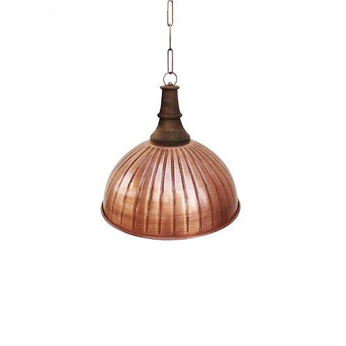 מנורת מתכת בצבע קופר עם ראש עץ