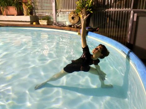יוגה במים Aqua Yoga