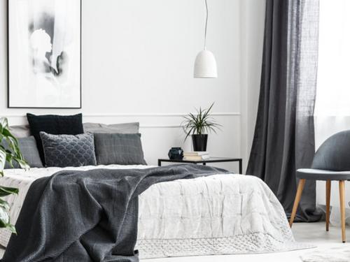על שחור ולבן בעיצוב הבית