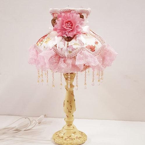 מנורת שולחן רומנטית