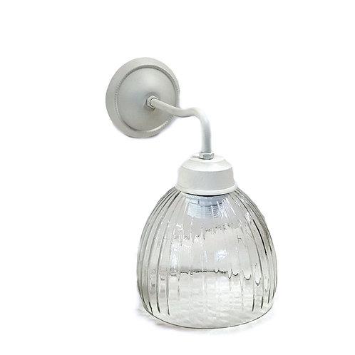 """מנורת קיר- """"עומר"""" זרוע לבנה"""