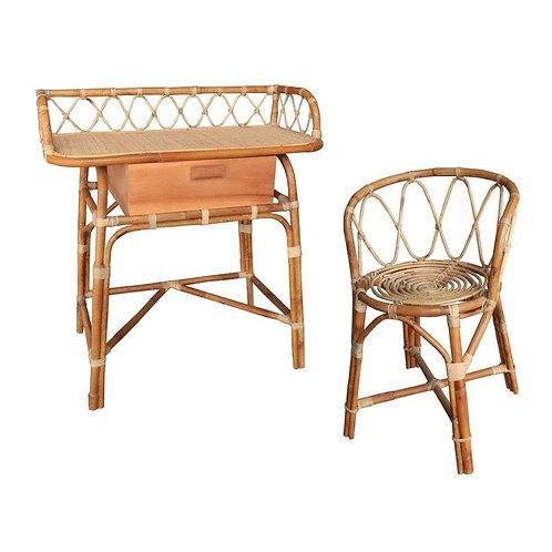 סט שולחן וכיסא מעץ