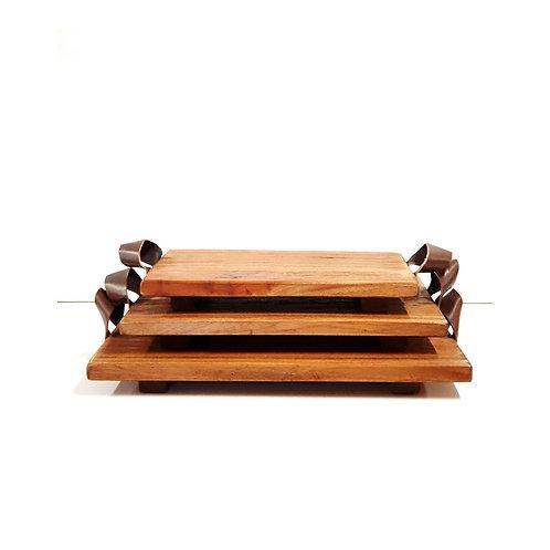 מגש עץ עם ידיות עור בכמה גדלים