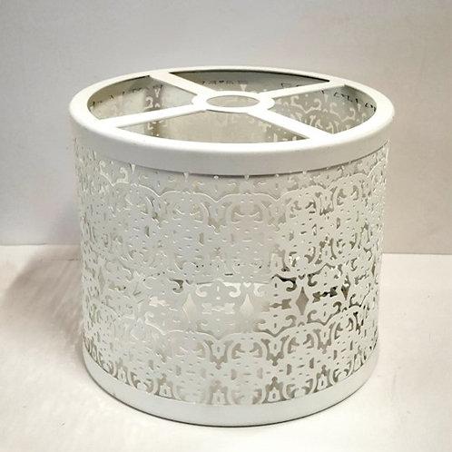 מנורת תלייה מתכת מעוטרת- לבן