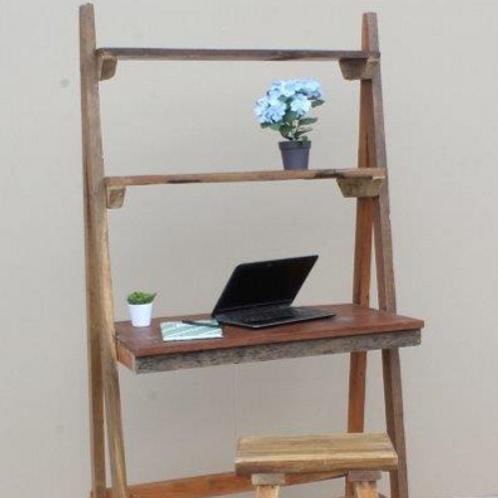שולחן כתיבה עם שני מדפים מעץ