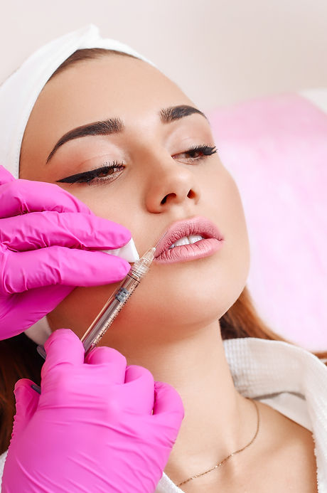 Procedure filler injection in beauty cli