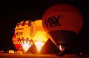 Balonglühen am Drachenfest auf dem Flugplatz Imsweiler