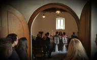 Bei mehr als 30 Gästen können die alten Flügeltüren geöffnet werden.