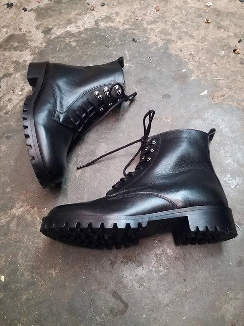 Maze boots