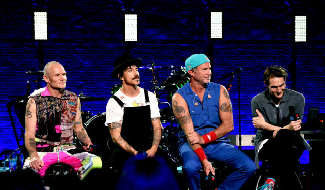 Artist-Rock-RedHotChiliPeppers-QA-Stage-